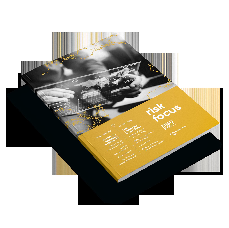 okładka magazynu Risk Focus, na górze czarno-białe zdjęcie, na dole złote tło a na nim białe napisy